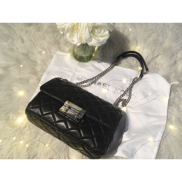 6936e75ffabd Michael Kors Sloan Large Chain Shoulder Bag